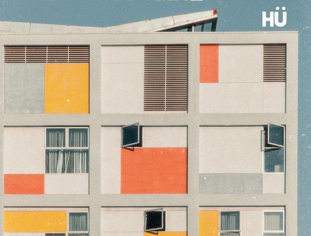 hü – abstract girl